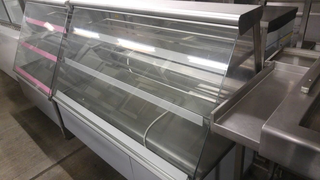 Lot 23 - Display unit Refrigerated serve over counter Refrigerated Serve over cabinet with under storage.