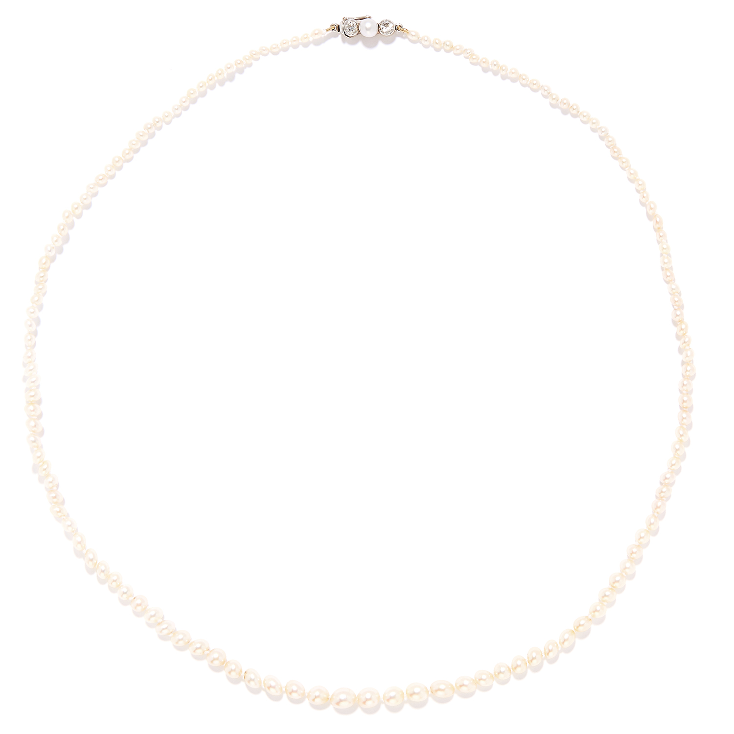 PEARL AND DIAMOND BEAD NECKLACE in yellow gold, set with a single strand of pearls ranging from 2.