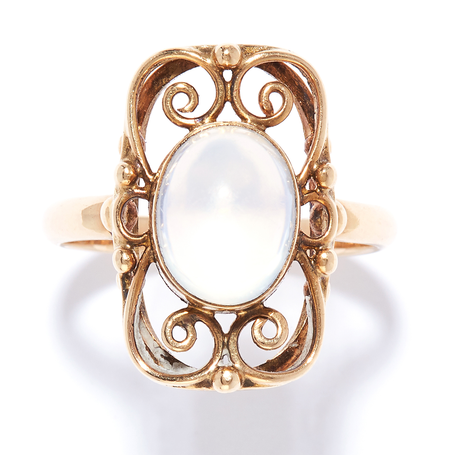 ANTIQUE MOONSTONE DRESS RING in yellow gold, set with a cabochon moonstone in open framework design,