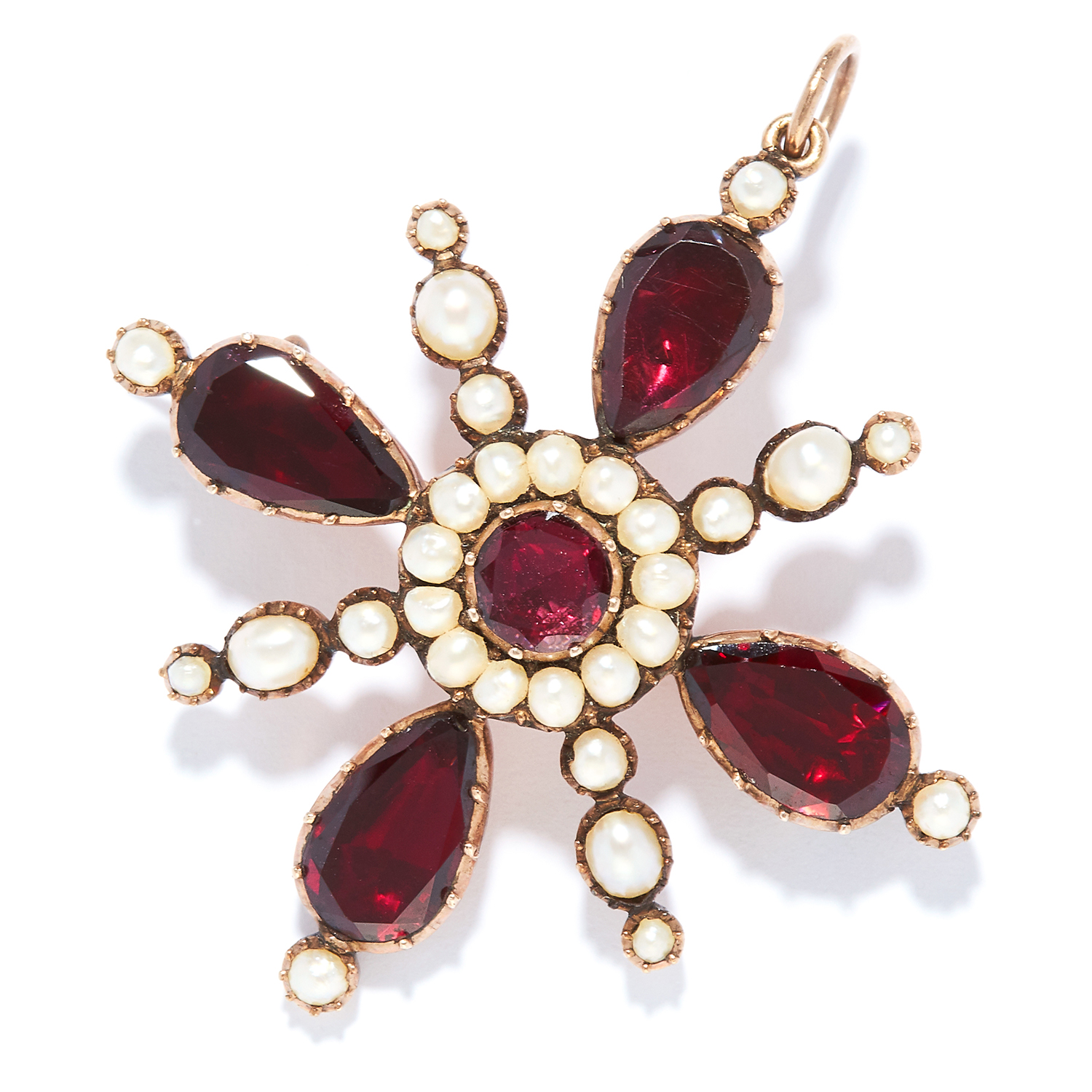 ANTIQUE GARNET AND PEARL PENDANT / BROOCH in yellow gold, set with round and pear cut garnets and