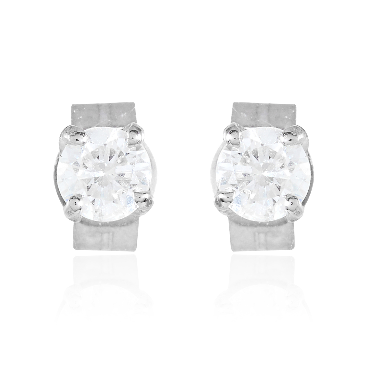 Los 17 - A PAIR OF 0.32 CARAT DIAMOND EAR STUDS in 18ct white gold, each set with a round cut diamond