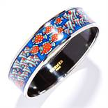 ENAMEL BANGLE, HERMES the body with painted enamel fish motifs, signed Hermes, inner diameter 6.5cm,