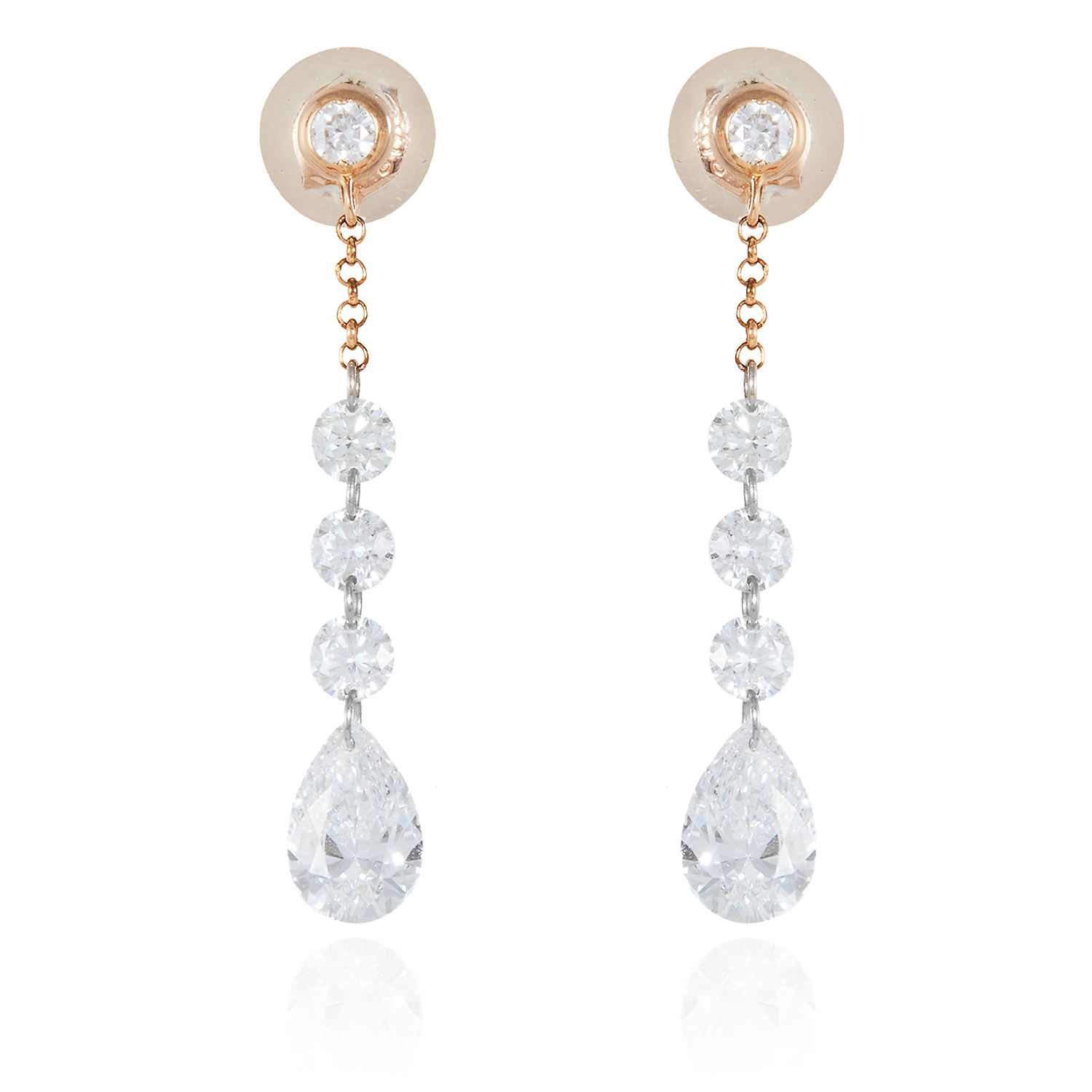Los 15 - A PAIR OF 1.55 CARAT DIAMOND DROP EARRINGS, HIRSH in 18ct gold, each comprising of four round cut