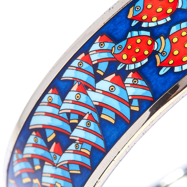 ENAMEL BANGLE, HERMES the body with painted enamel fish motifs, signed Hermes, inner diameter 6.5cm, - Bild 2 aus 3