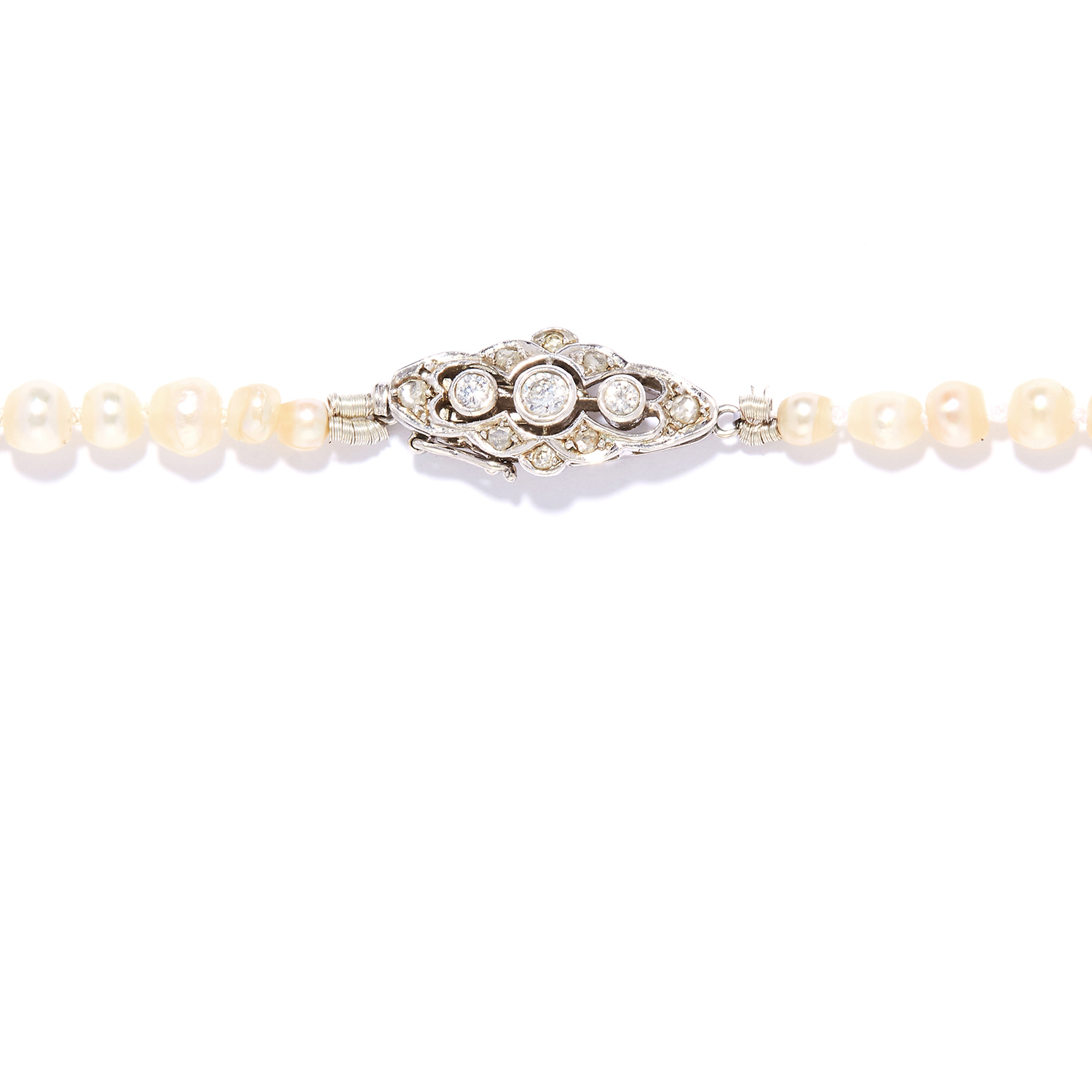ANTIQUE NATURAL PEARL AND DIAMOND NECKLACE in platinum or white gold, comprising a single row of - Image 2 of 2