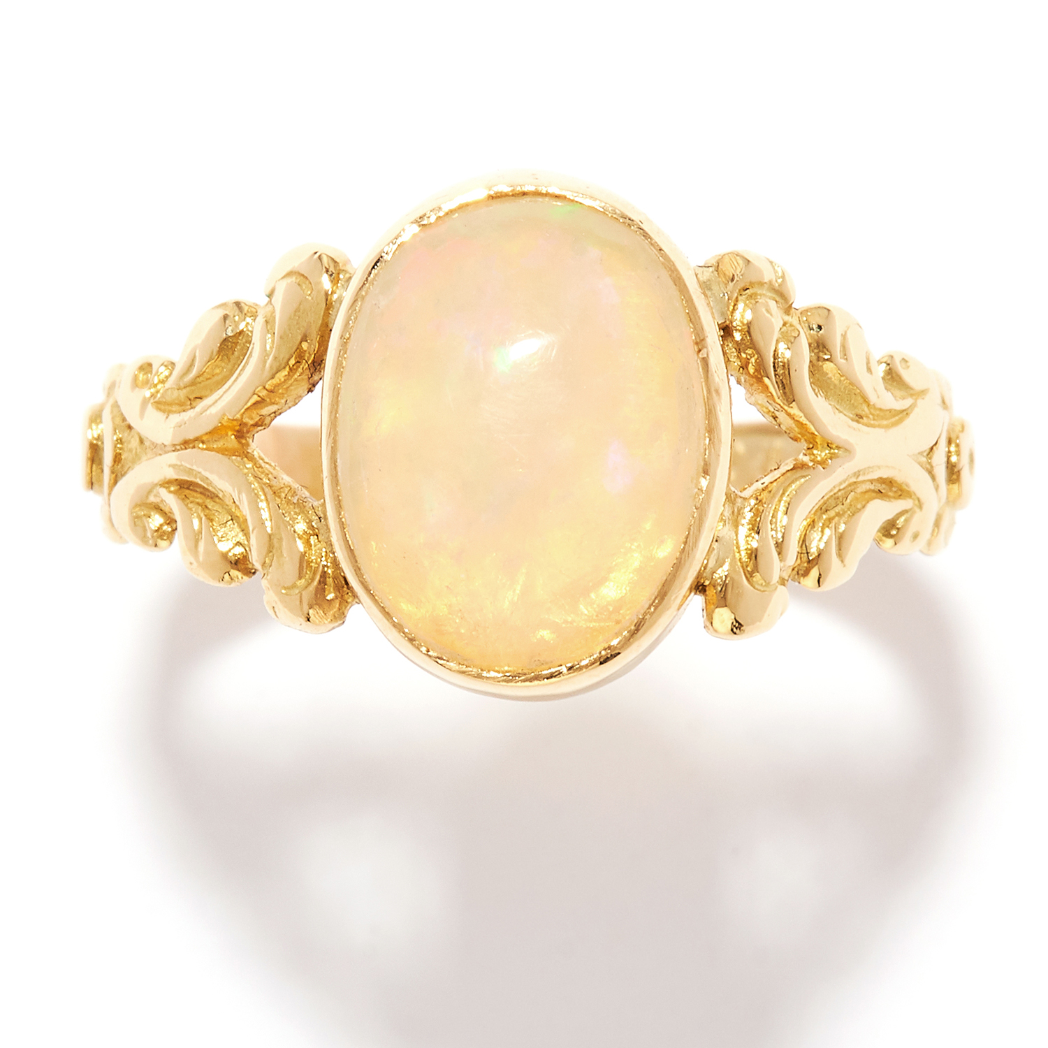 ANTIQUE OPAL DRESS RING in 18ct yellow gold, set with a cabochon opal, British hallmarks, size N /