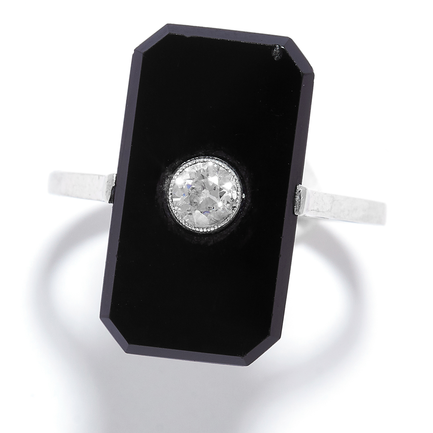 ANTIQUE ONYX AND DIAMOND RING in 18ct white gold, comprising of a polished onyx set with a round cut