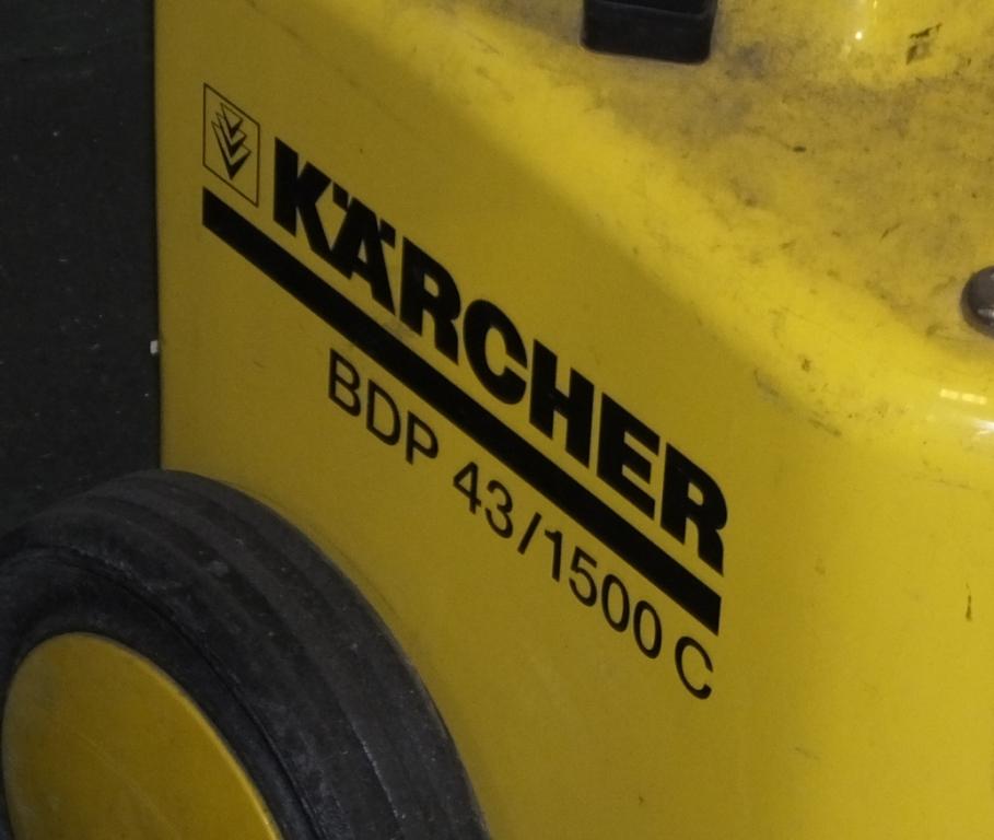Lot 28 - Karcher BDP 43 / 1500C floor buffer