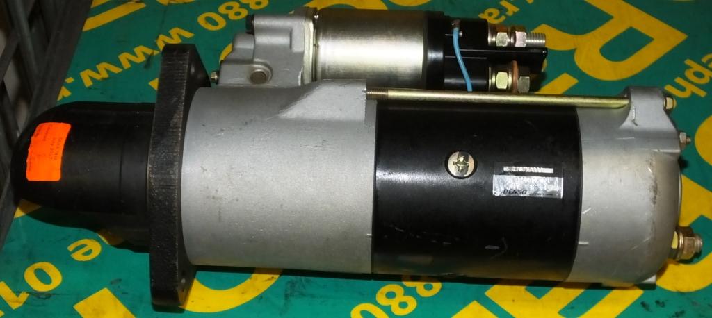 Lot 44 - 24V Starter Motor - Denso - 8F-03 - 5-028000-371