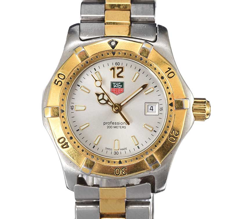 Lot 81 - TAG HEUER STAINLESS STEEL LADY'S WRIST WATCH