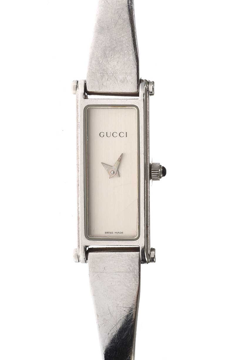 Lot 60 - GUCCI '1500L' STAINLESS STEEL LADY'S WRIST WATCH