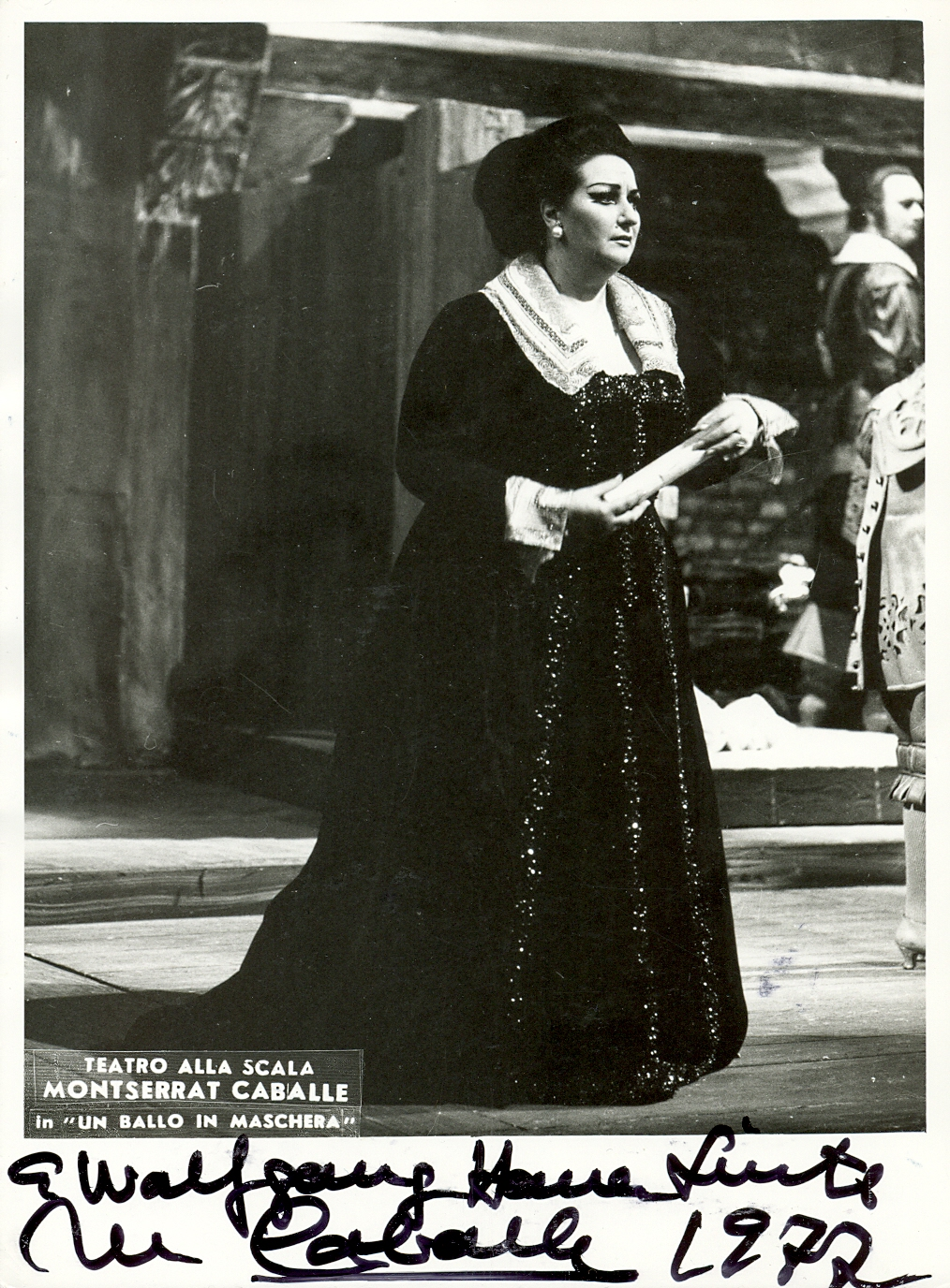 Lot 200 - OPERA : A good selection of signed 5 x 7