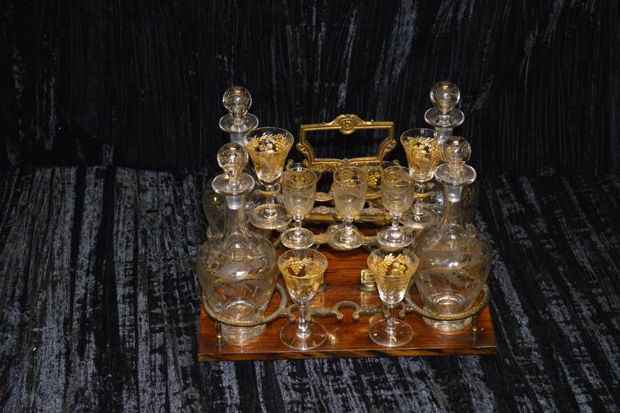 Lot 225 - A 19th Century Rosewood / Crystal Liqueur Set