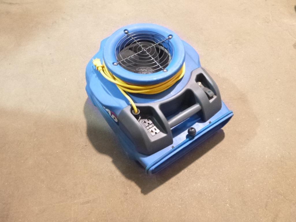 Lot 486 - Windsor Triad Low Profile Carpet Fan