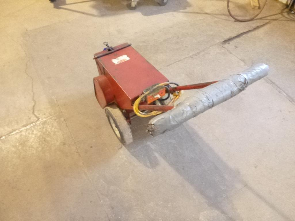 Lot 520 - Floor Tile/Carpet Stripper