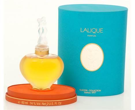 """A Lalique """"'D' amour"""" perfume bottle, 1997 edition. Marked """"Lalique France"""". Meas. 14 x 8 cm. Estimate: € 250 - € 300."""