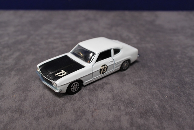 Corgi Whizzwheels Diecast 303 Roger Clark's 3 Litre V6 Ford Capri Number With Very Good Box - Image 4 of 4
