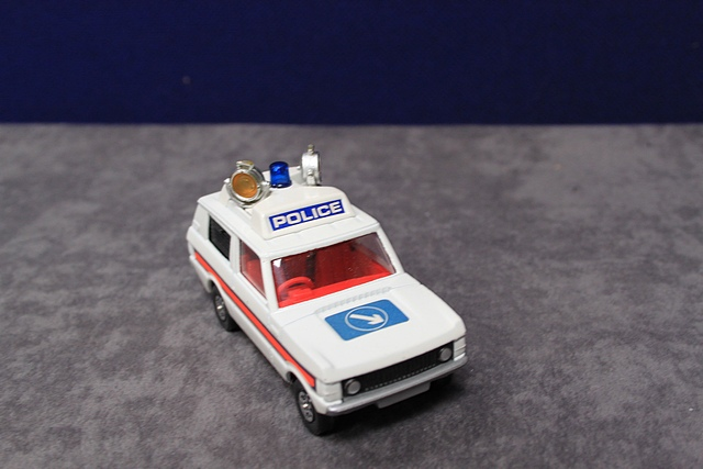 Corgi Whizzwheels Diecast Number 461 Police 'Vigilant' Range Rover With Excellent Box - Image 3 of 3