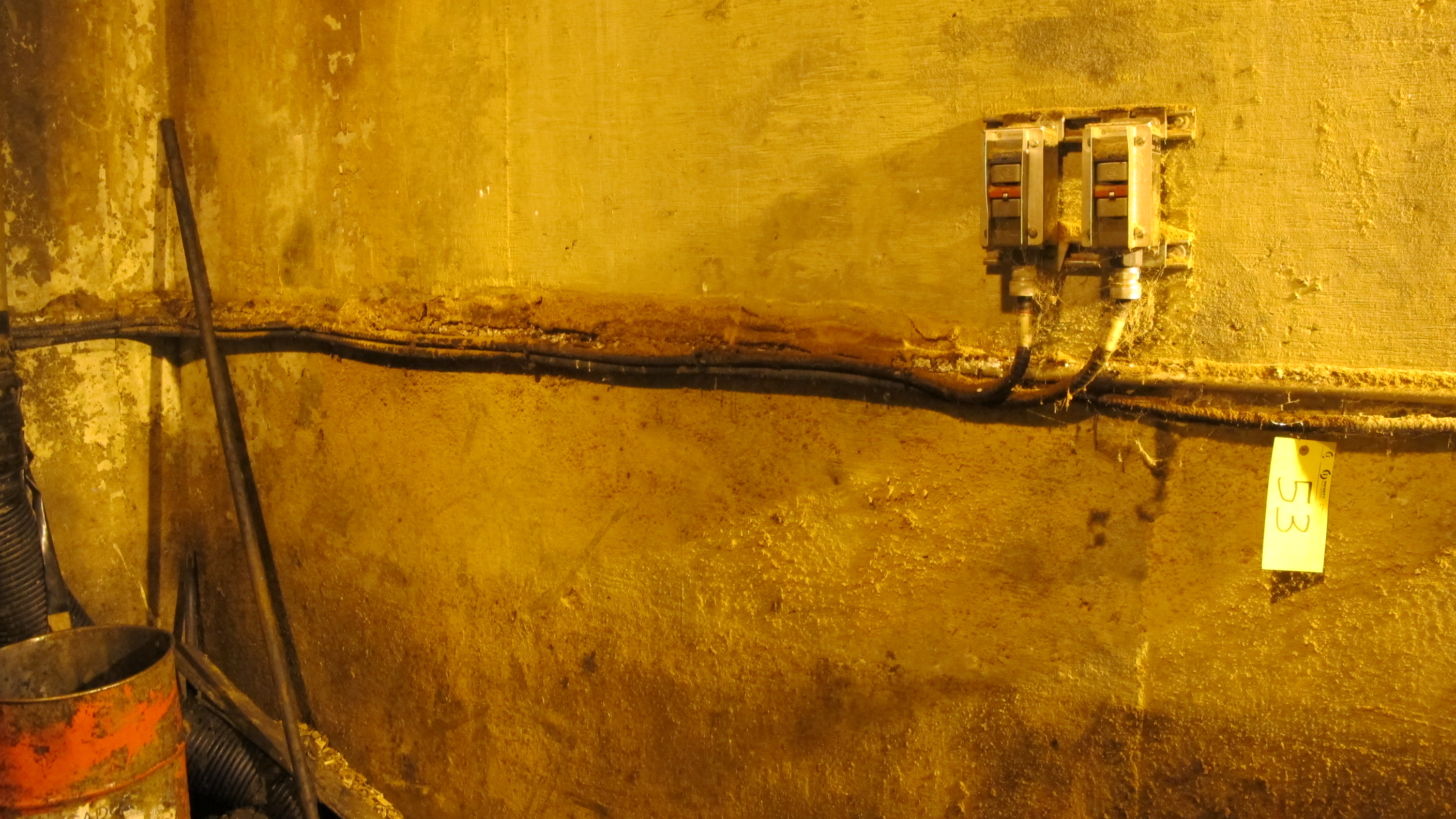 Lot 42A - LARGE QTY OF ASST. TECH CABLE, COPPER WIRE, ETC. THROUGHOUT SITE TO INCLUDE: APPROX 200' OF TECH