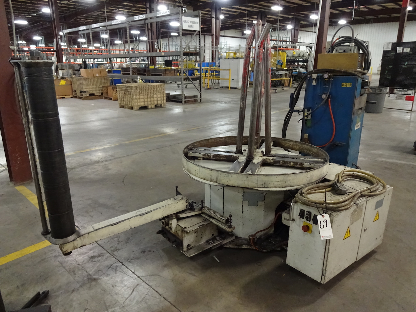 42 in. (approx.) Motorized Wire Coiler/Uncoiler