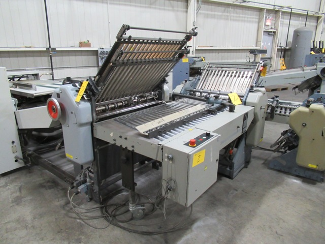 Lot 2 - HEIDELBERG STAHL B-30/4 BRD CONTINUOUS FEED FOLDER, S/N 701242-160NE173, W/8 & 16 PG. SECTIONS, 4/