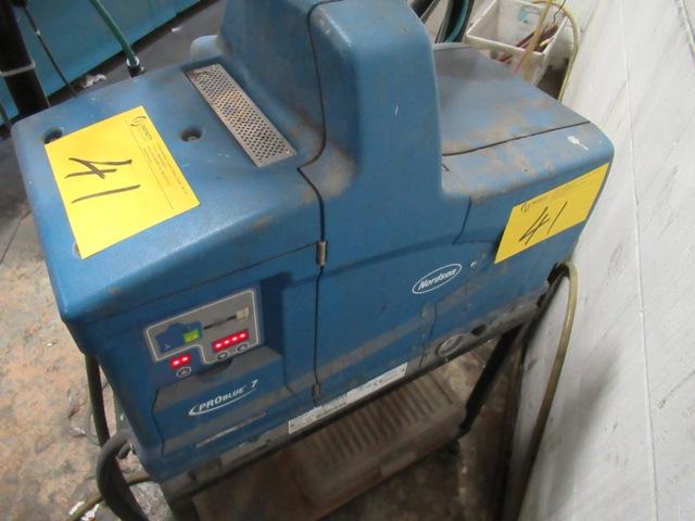 Lot 41 - NORDSON PRO BLUE 7 HOT MELT GLUER W/EPC-30 DIGITAL CONTROL, S/N SA08F50302