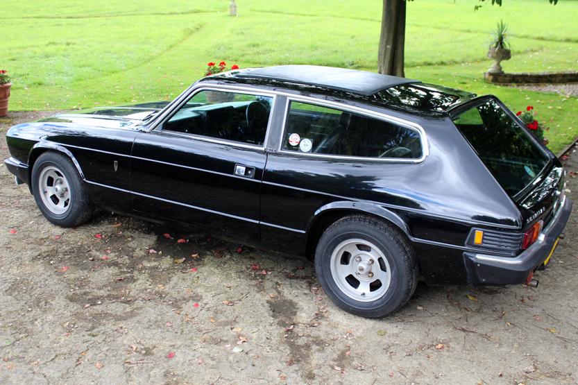 Lot 565 - W reg 1983 Reliant Scimitar SE6B. Black, black fabric interior. MOT. 5 speed manual gearbox