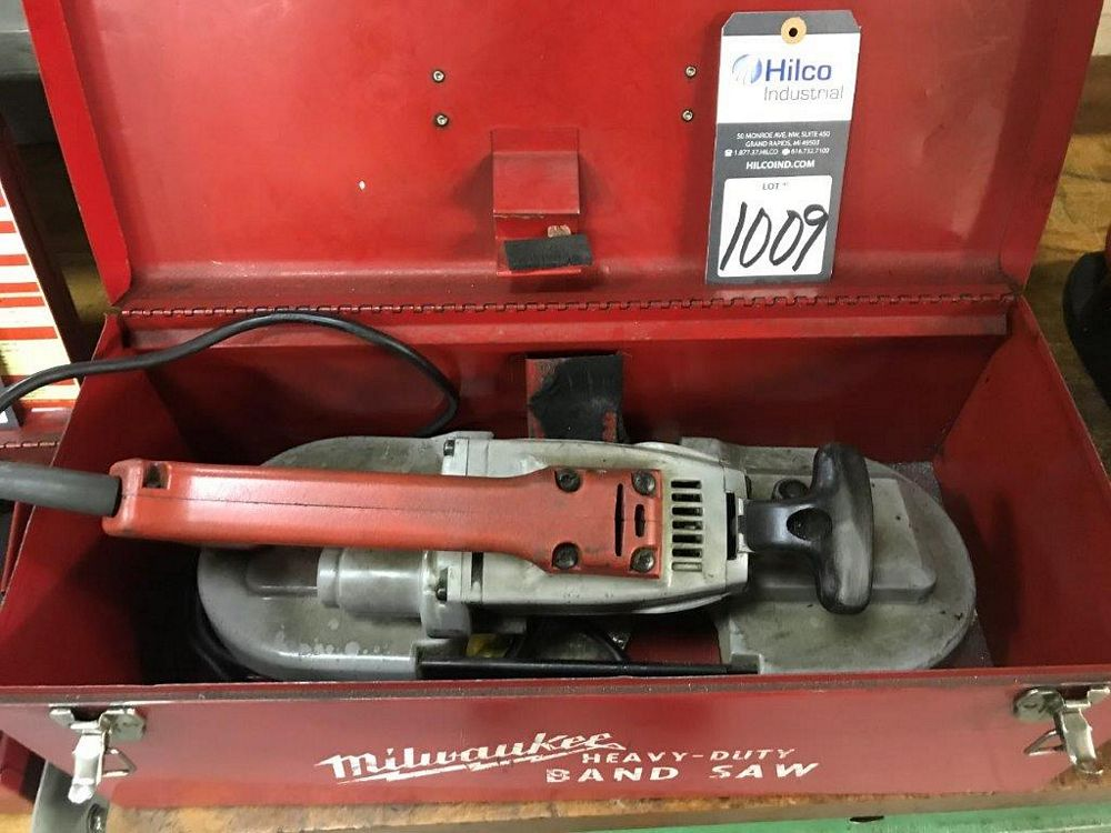 Milwaukee Cat # 6225 Electric Portable Band Saw - Image 2 of 2