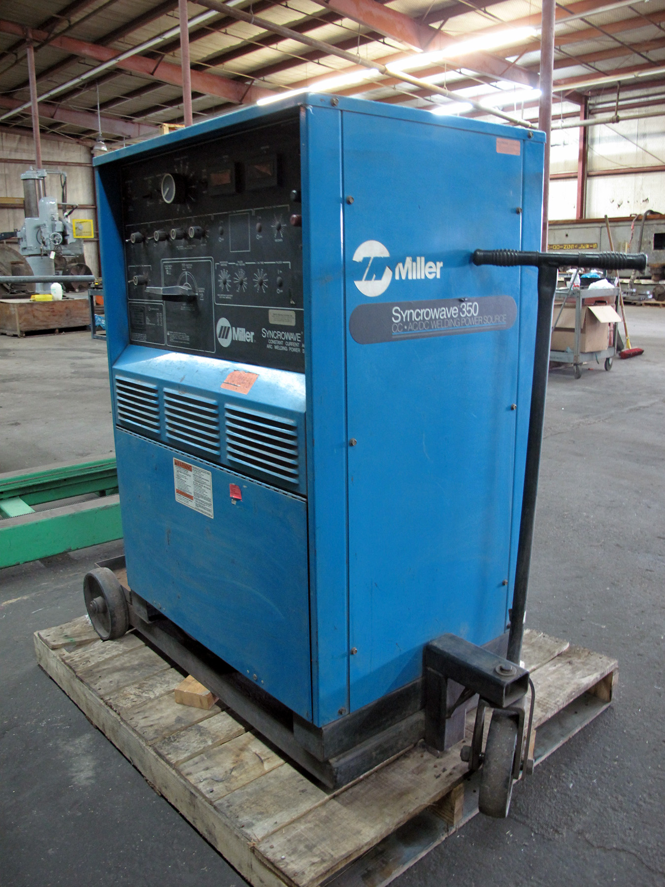 Lot 26 - WELDING MACHINE, MILLER SYNCROWAVE 350, 350 amps @ 34 v. (40% duty cycle), 300 amps @ 32 v. (60%