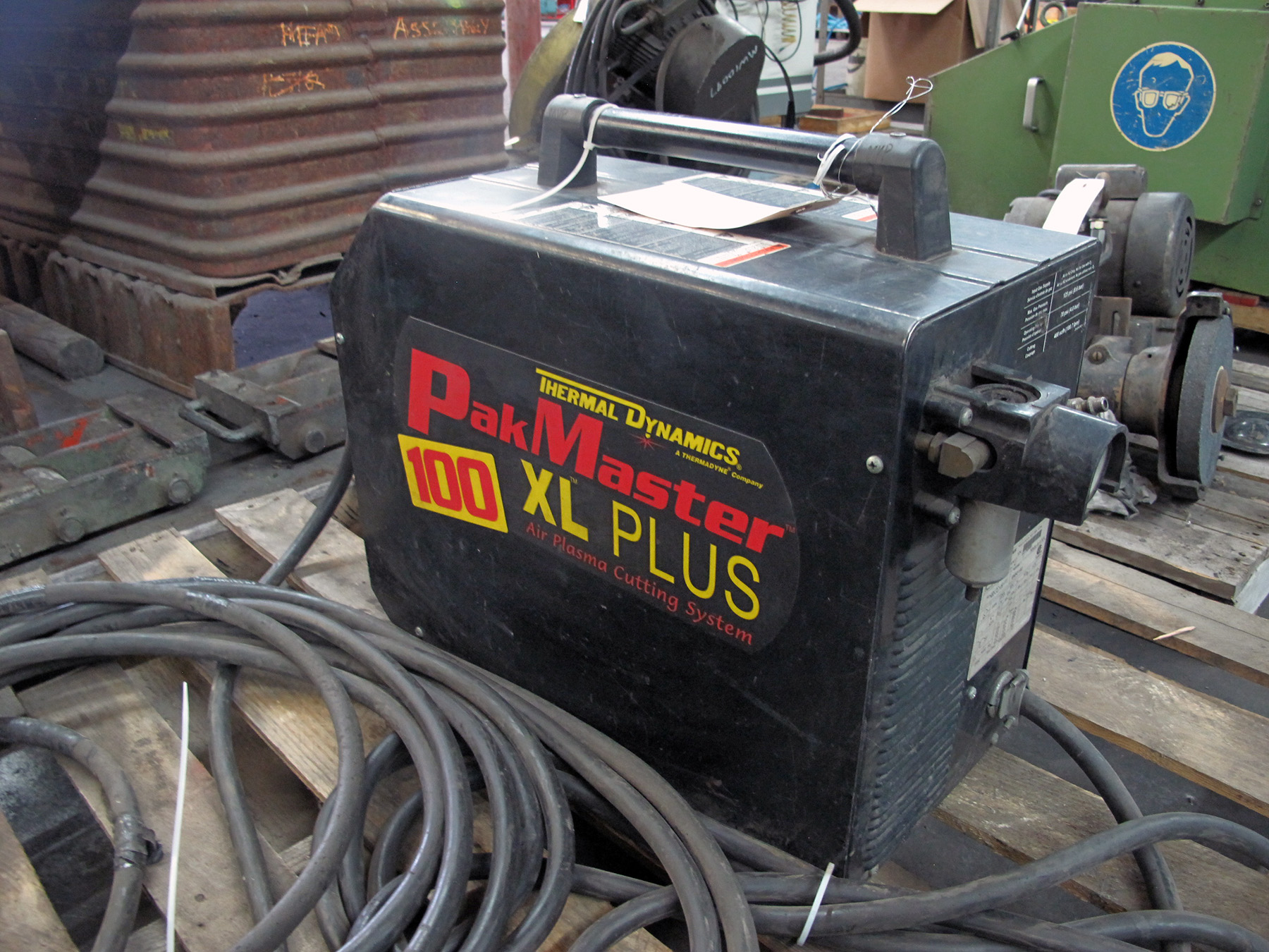Lot 1 - PLASMA CUTTER, THERMAL DYNAMICS PAK MASTER 100 XL PLUS, new 2001, S/N 01150908