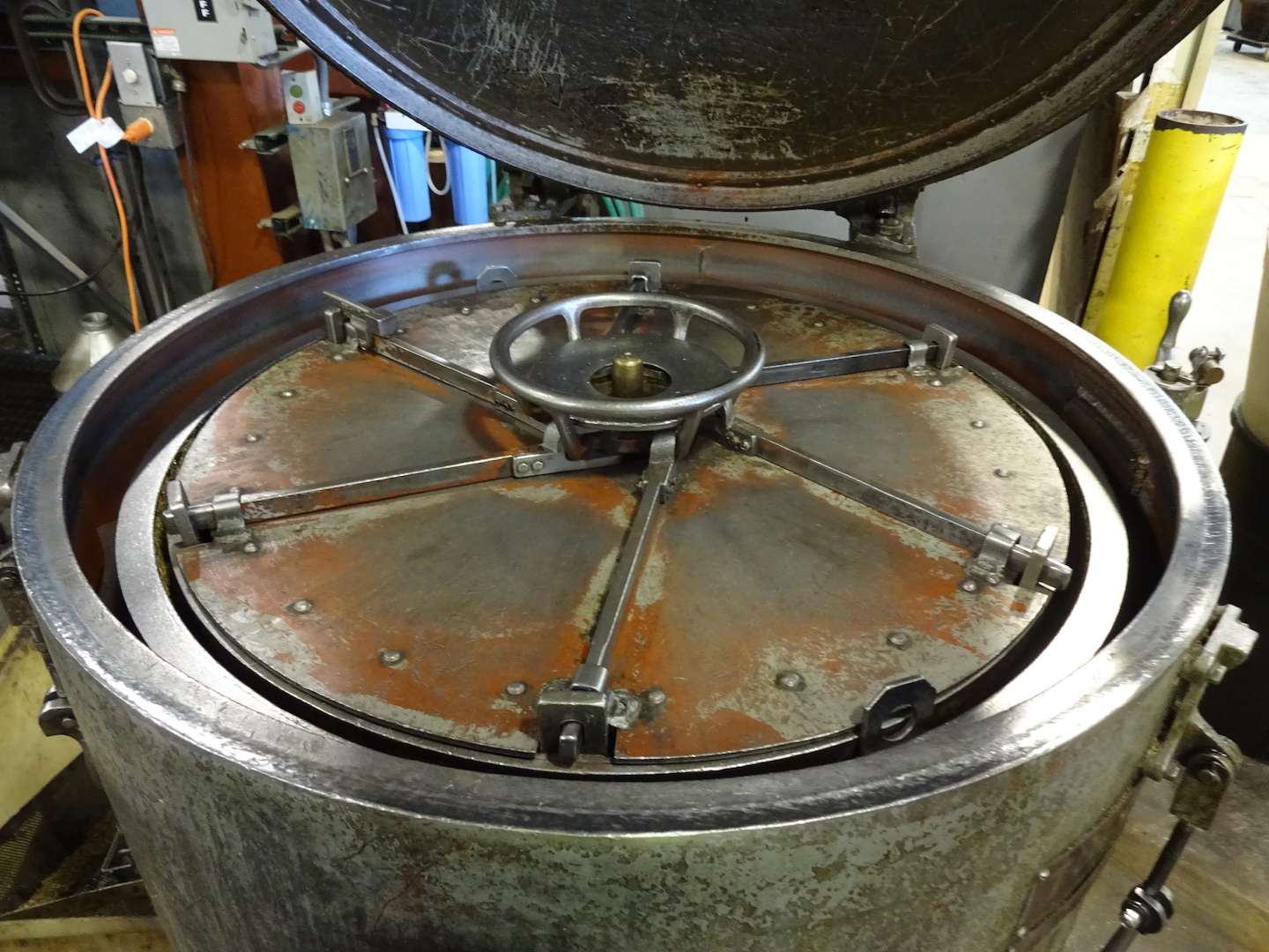 Lot 55 - Tolhurst Center-Slung Size 40 Oil Separator, S/N T88438, 700 RPM