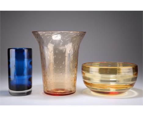 THREE PIECES OF WHITEFRIARS, COMPRISING; A CONTROLLED BUBBLE PEACH GLASS VASE, with flared rim and graduated bubble inclusion