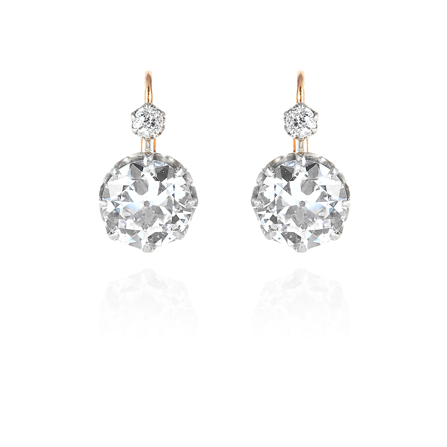 Los 38A - A PAIR OF ANTIQUE DIAMOND EARRINGS in 18ct yellow gold and silver, each set with an old round cut