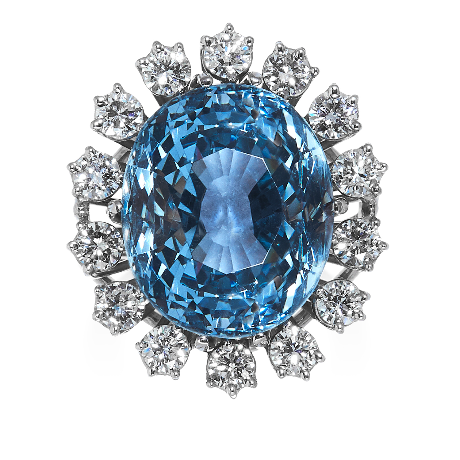 Los 1 - AN AQUAMARINE AND DIAMOND RING in 18ct white gold, the oval cut aquamarine of 16.25 carats encircled
