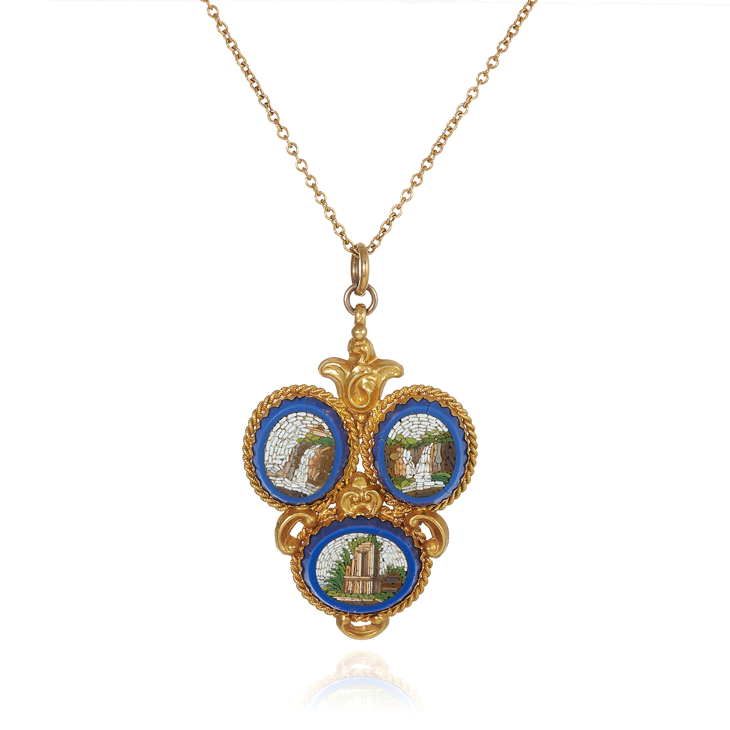 Los 35 - AN ANTIQUE MICROMOSAIC PENDANT, 19TH CENTURY in high carat yellow gold, formed of a trio of