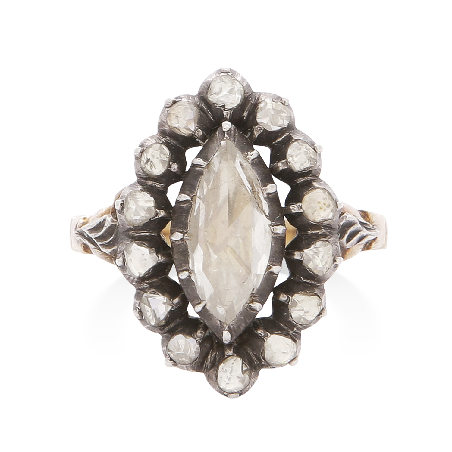 Los 24 - AN ANTIQUE DIAMOND CLUSTER RING, DUTCH 19TH CENTURY in high carat yellow gold and silver, the