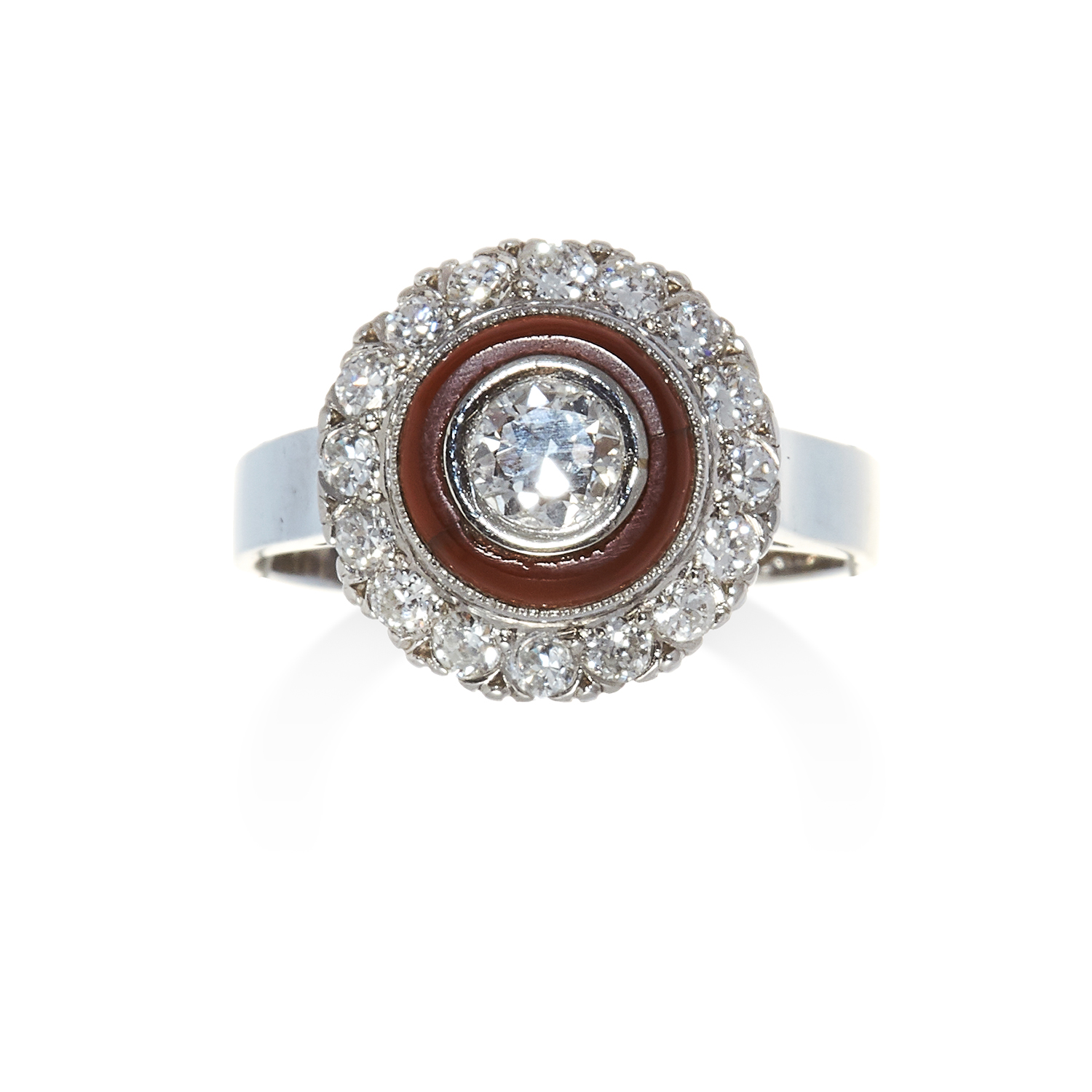 Los 37 - A DIAMOND AND HARDSTONE RING in white gold, set with a central round cut diamond to a hardstone