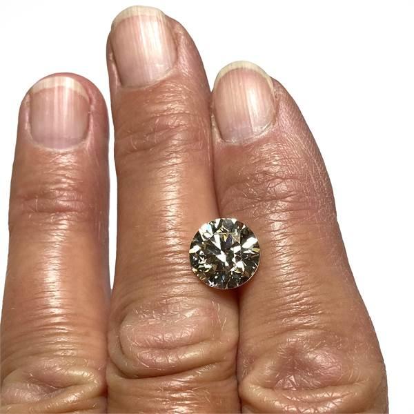 Loose round brilliant cut diamond weighing 4.33 ct. - Image 2