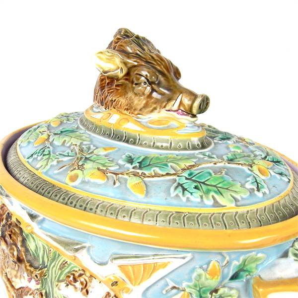 A Victorian George Jones & Son's majolica twin handled game dish and cover, 19th century - Image 2
