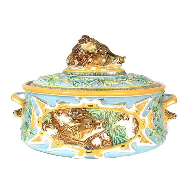 A Victorian George Jones & Son's majolica twin handled game dish and cover, 19th century - Image 1