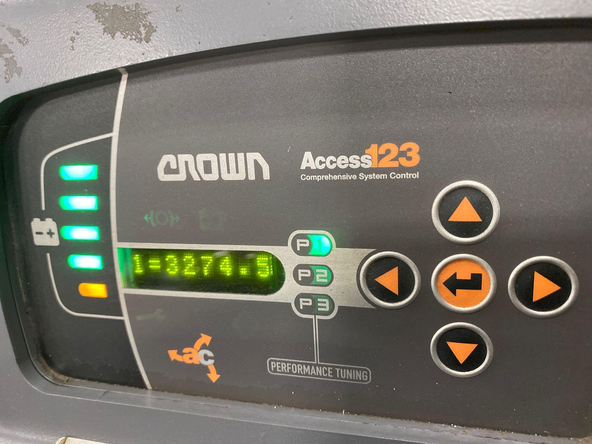 2012 CROWN ELECTRIC PALLET JACK, 8,000 LB CAPACITY, MODEL PC4500-80, 24V, RUNS AND OPERATES - Image 5 of 5