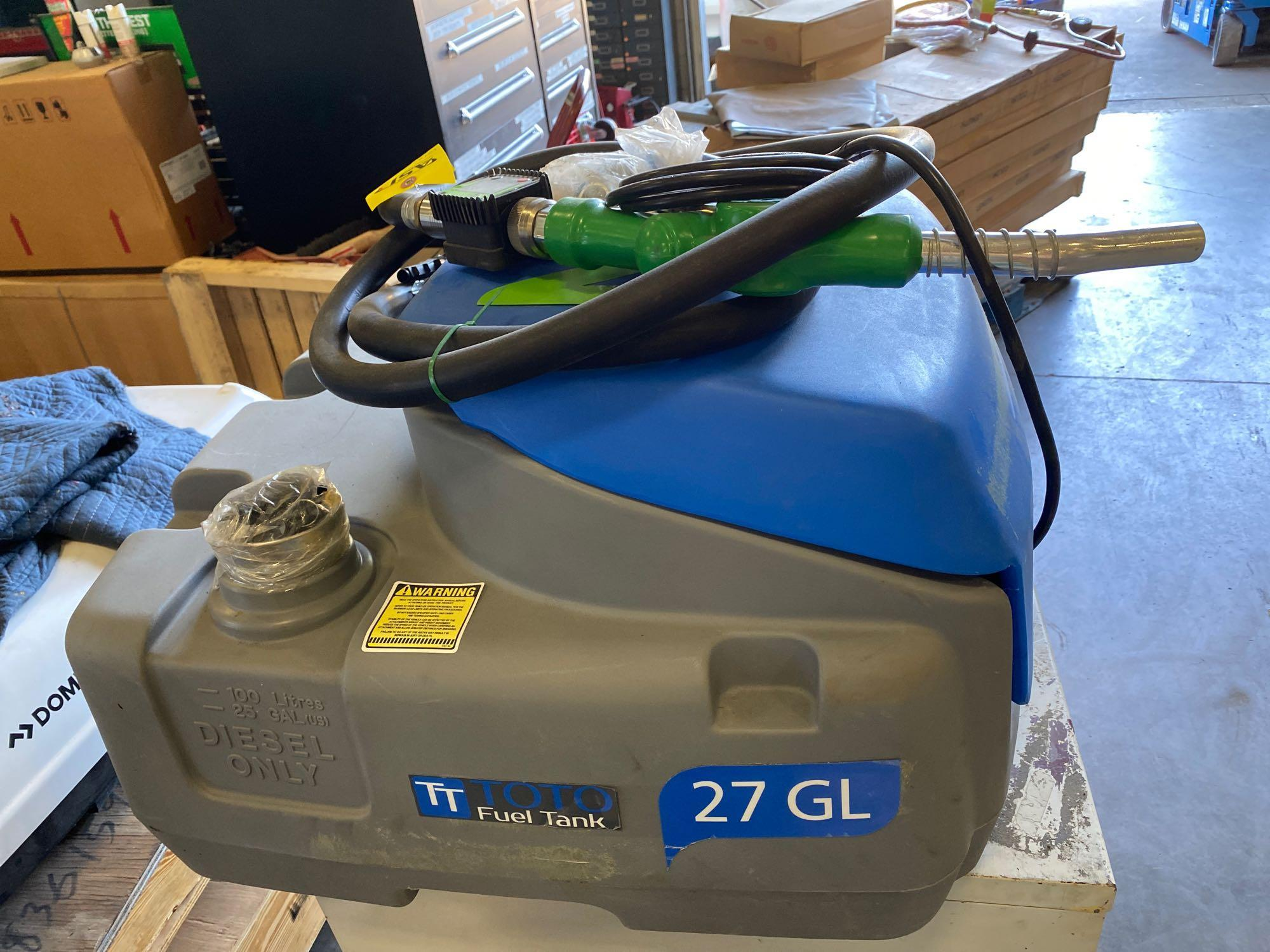 UNUSED TOTO 27 GALLON FUEL TANK WITH 12V PUMP - Image 2 of 6