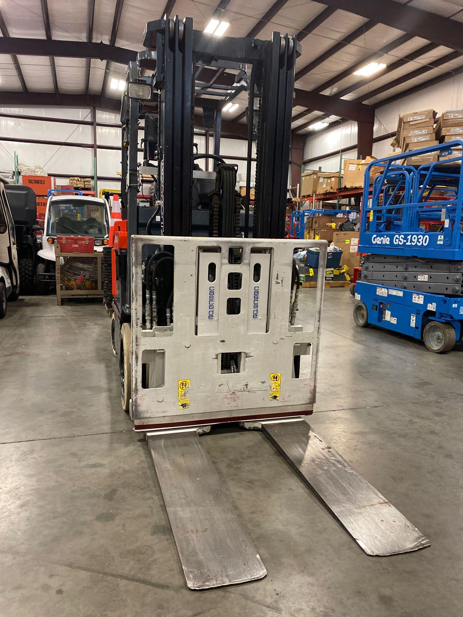 """TOYOTA ELECTRIC FORKLIFT MODEL 7FBCU25, 189"""" HEIGHT CAPACITY, TILT, SIDESHIFT, 36V, RUNS AND OPERATE - Image 7 of 11"""