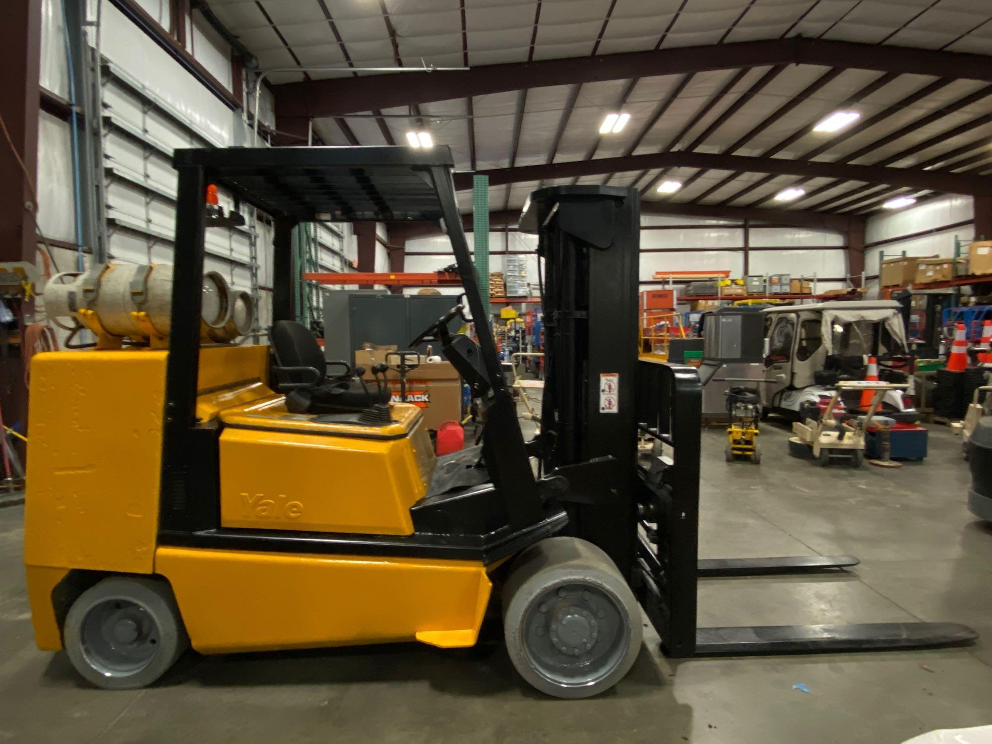 YALE LP FORKLIFT MODEL CLC120, APPROX. 12,000 LB CAPACITY, TILT, SIDE SHIFT, RUNS AND OPERATES - Image 5 of 10