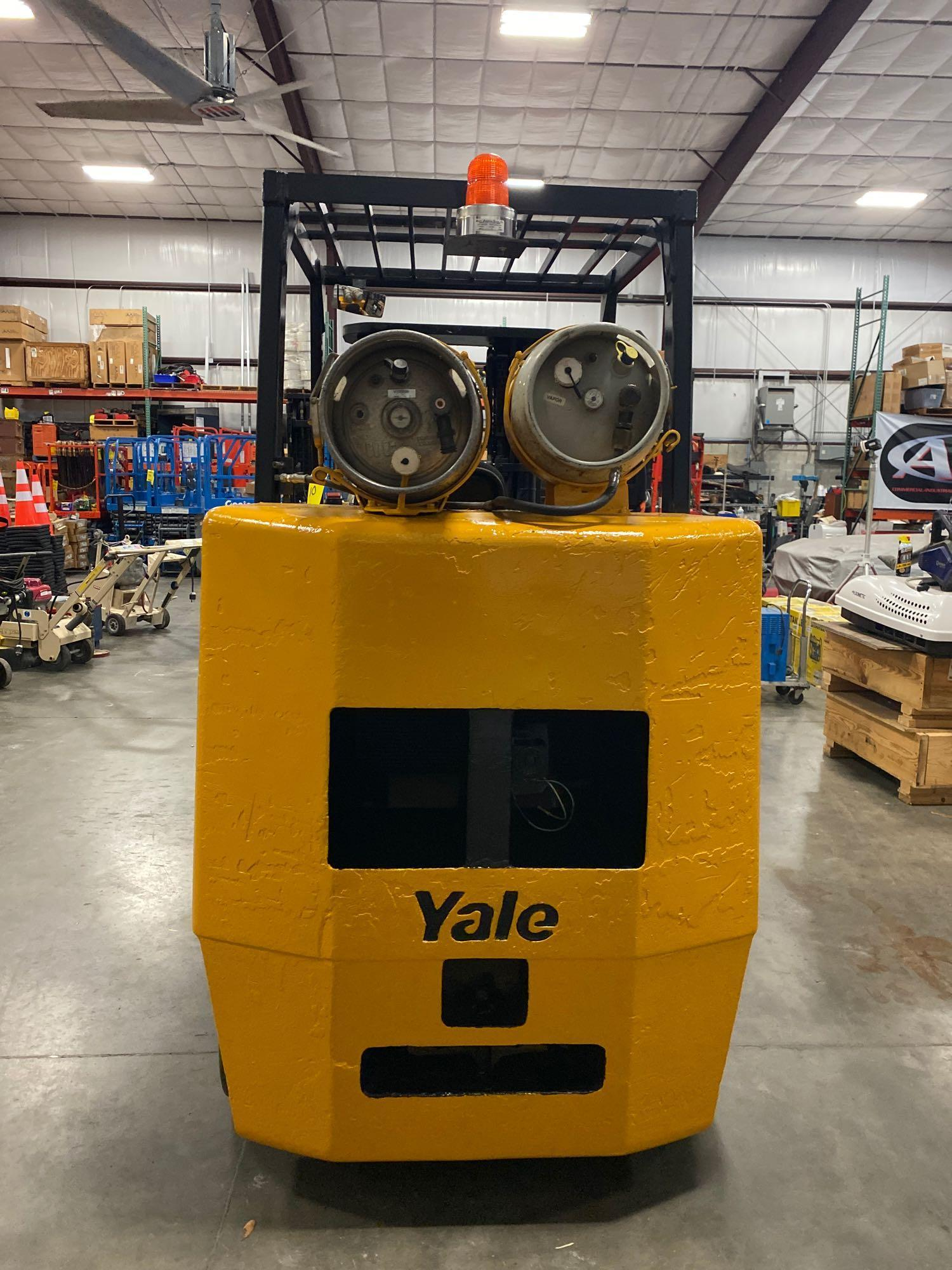 YALE LP FORKLIFT MODEL CLC120, APPROX. 12,000 LB CAPACITY, TILT, SIDE SHIFT, RUNS AND OPERATES - Image 7 of 10