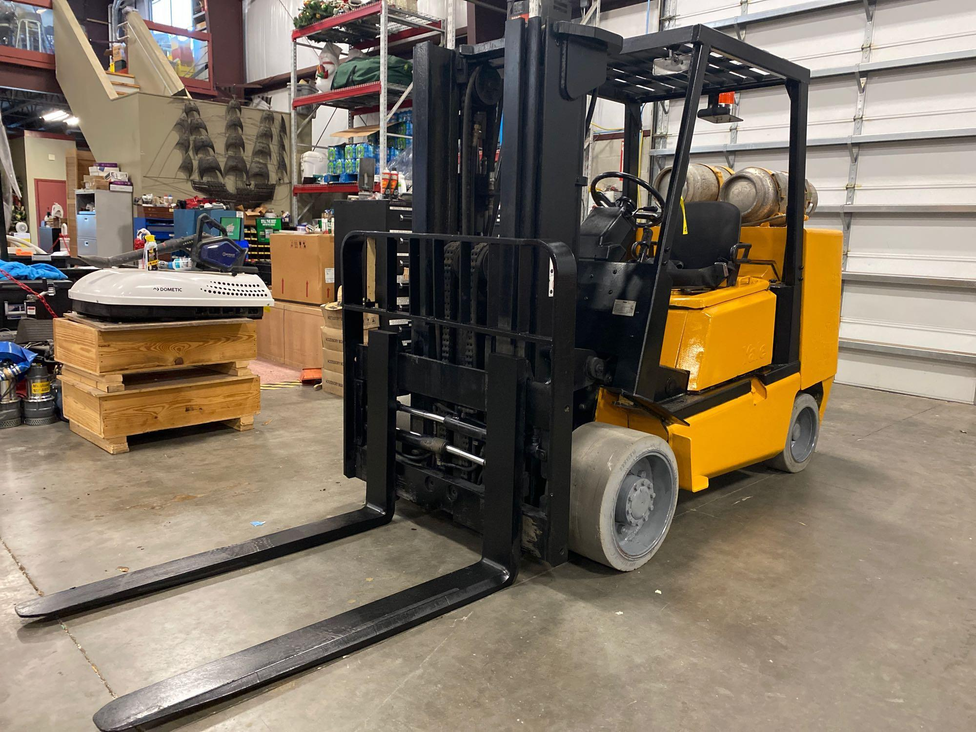 YALE LP FORKLIFT MODEL CLC120, APPROX. 12,000 LB CAPACITY, TILT, SIDE SHIFT, RUNS AND OPERATES - Image 2 of 10