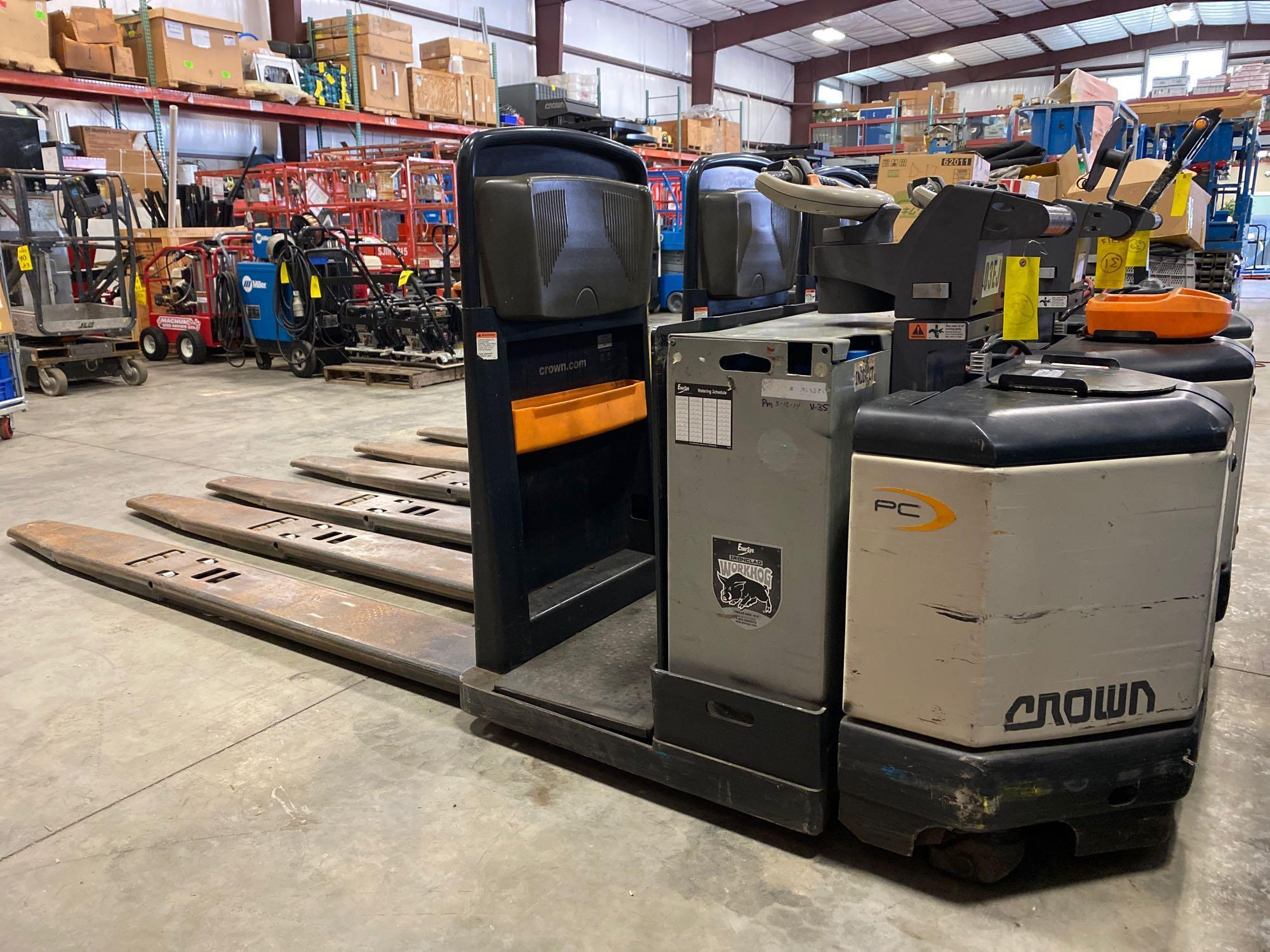 2012 CROWN ELECTRIC PALLET JACK, 8,000 LB CAPACITY, MODEL PC4500-80, 24V, RUNS AND OPERATES