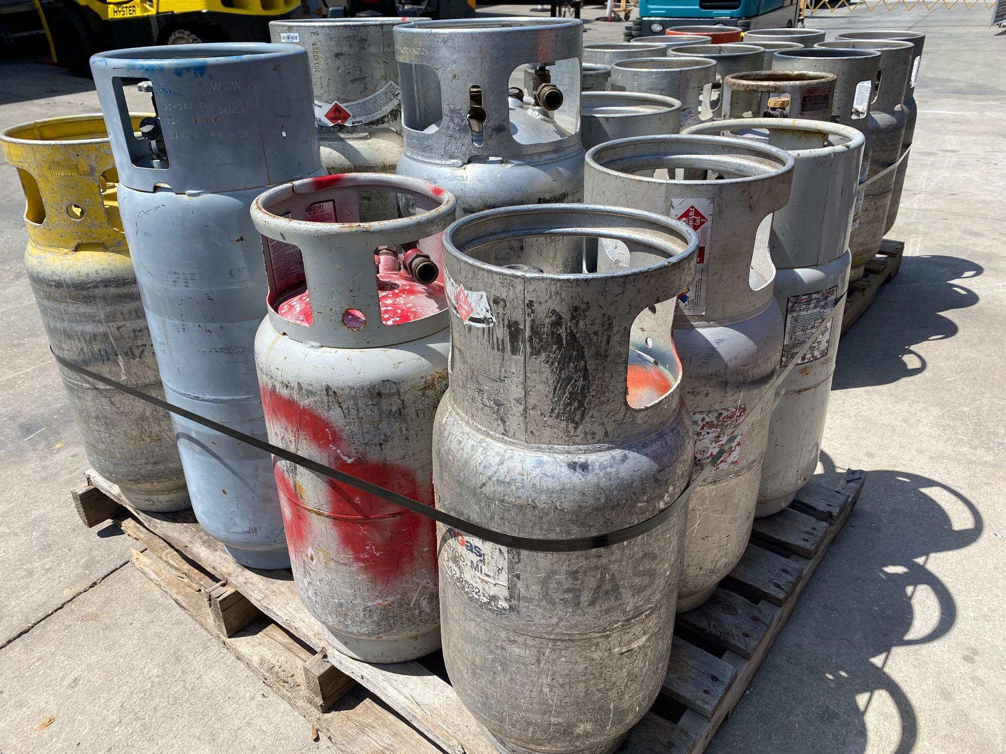 PALLET OF ASSORTED LP TANKS - Image 4 of 4