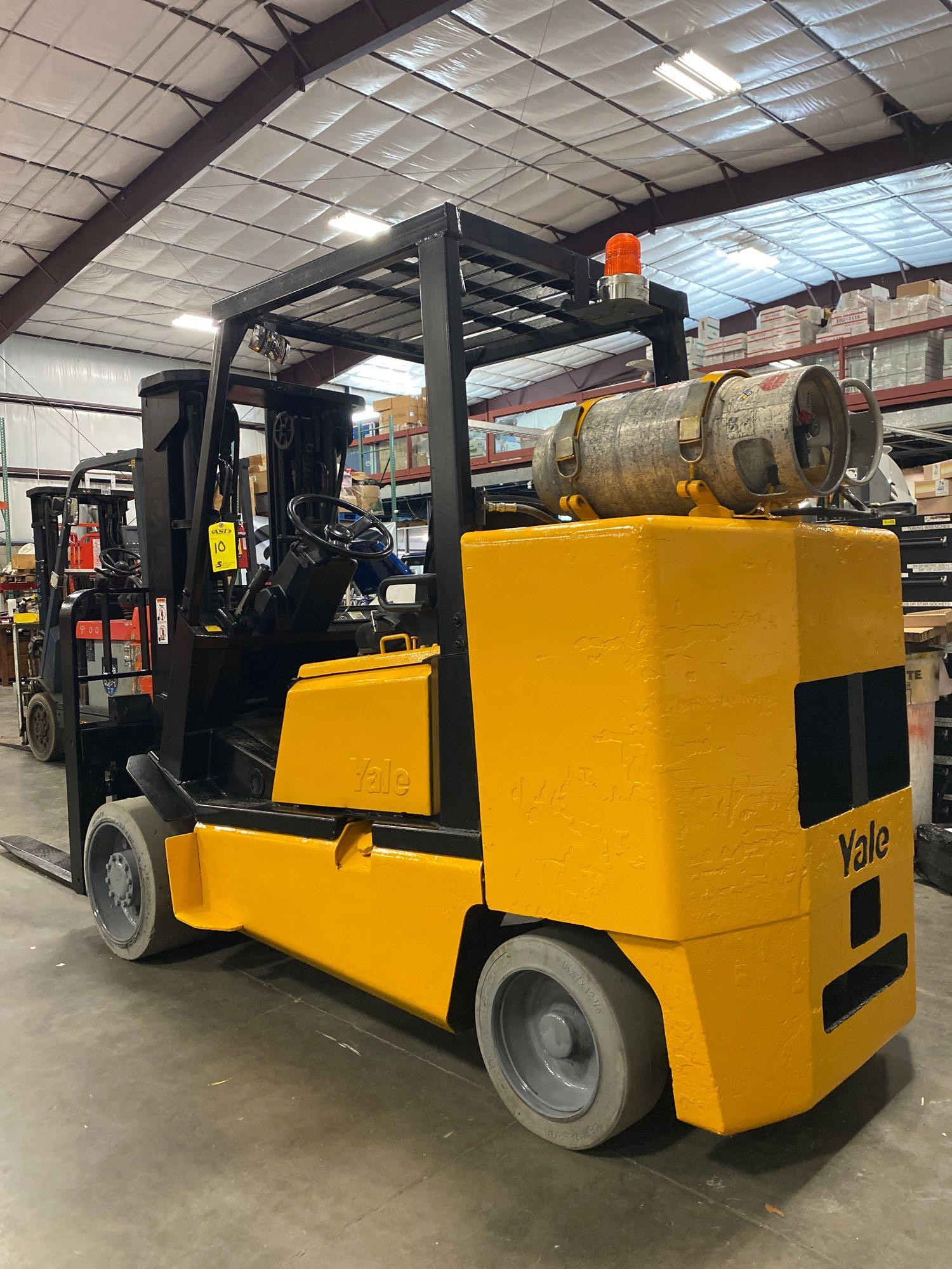 YALE LP FORKLIFT MODEL CLC120, APPROX. 12,000 LB CAPACITY, TILT, SIDE SHIFT, RUNS AND OPERATES - Image 8 of 10