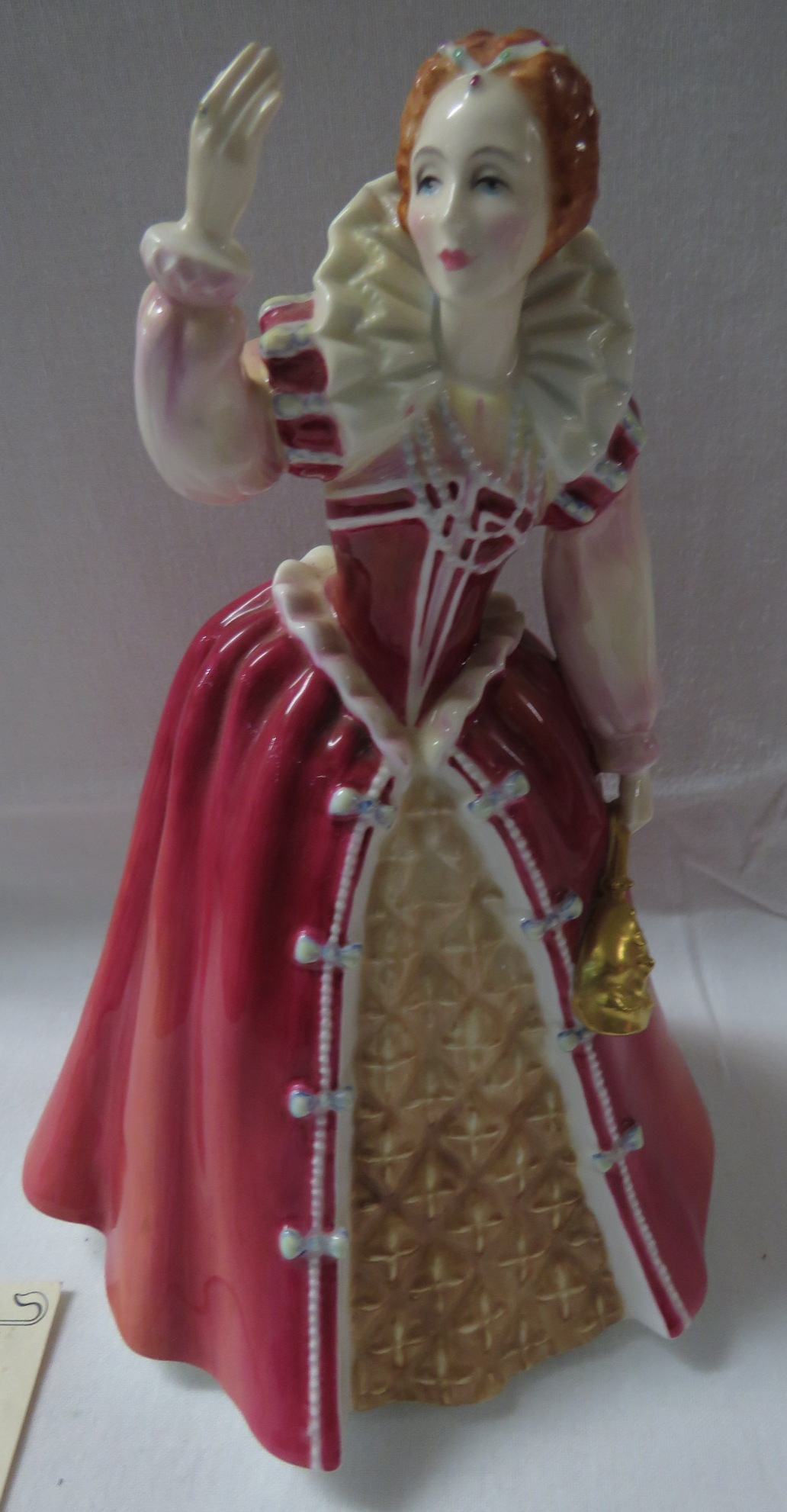 Lot 25 - Royal Doulton limited edition Queens of the Realm figure Elizabeth I, HN 3099, numbered 741/5000,